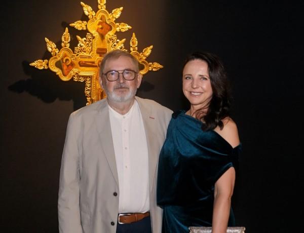 Венеция аплодира иконите на Лили Владимирова и скулптурите на Крум Дамянов <br/> &#8211; в. Стандарт със статия за &#8222;Guardians&#8220;